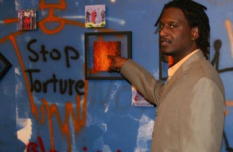 El artista sudanés  Mohamed Elshafei Dafalla. Fuente: http://www.samagazette.com