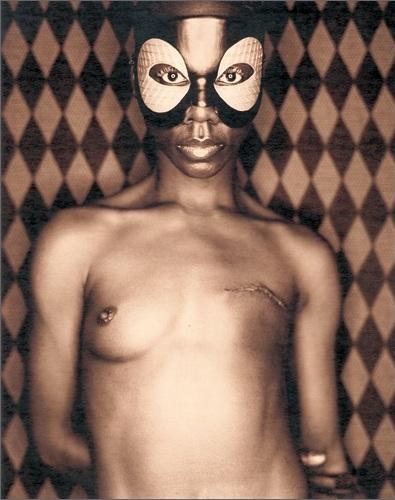 Mfon Essien, inmortalización de la femineidad
