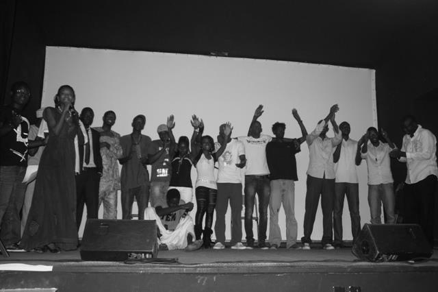 Una imagen de una de las veladas del colectivo de Dakar Vendredi Slam. Fuente: Facebbok del colectivo