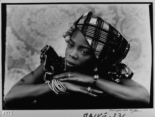 Seydou Keita, maestro del retrato fotográfico del siglo XX