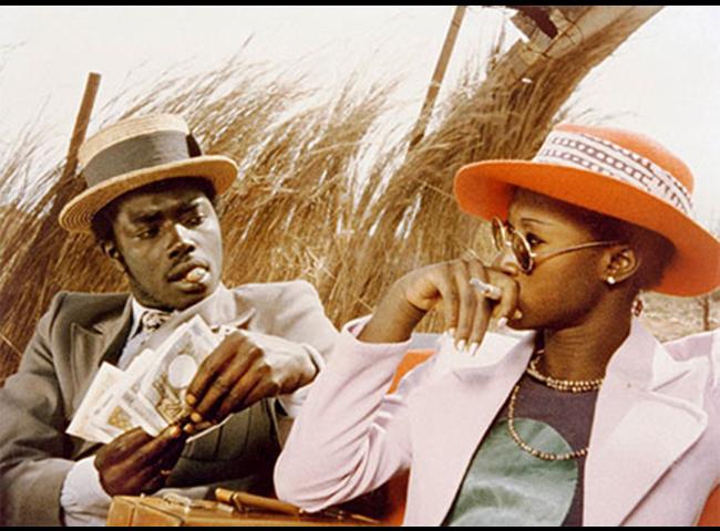 Fotograma de la película Touki Bouki (1972), dirigida por Djibril Diop Mambety.