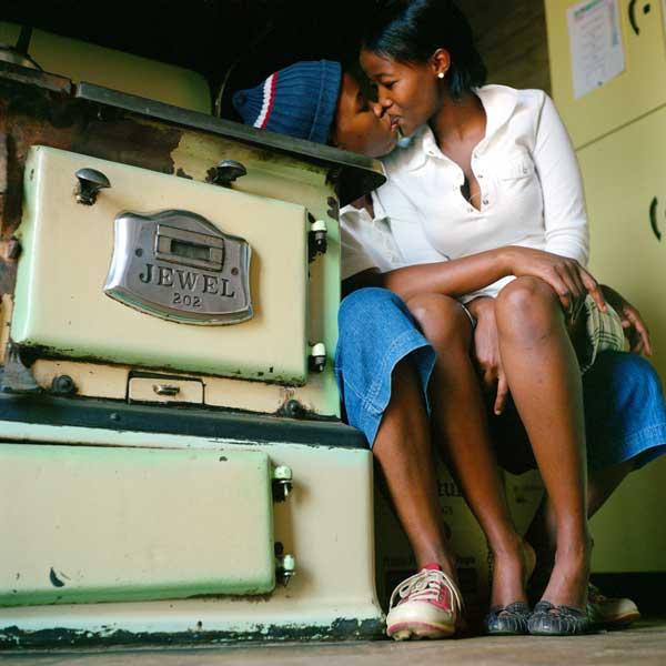 Katlego Mashiloane and Nosipho Lavuta, 2007, ('Being'). Cortesía de Stevenson, Cape Town y Johannesburg. / ZANELE MUHOLI