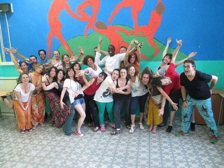 Los participantes en la formación impartida por Mamadou Diol junto a La Xixa Teatre. Foto: Cedida por La Xixa Teatre