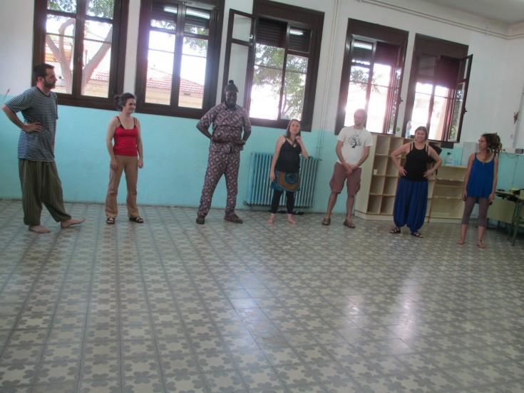 Un momento de la formación impartida por Mamadou Diol junto a La Xixa Teatre. Foto: Cedida por La Xixa Teatre
