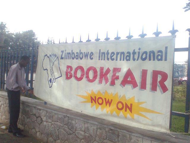 Anuncio de la feria durante las actividades previas de ZIBFA en Bulawayo. Fuente: web de la organización