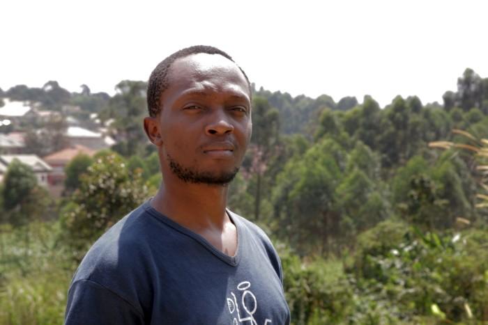"Donald Mugisha, director de la pelicula ugandesa ""Abaabi ba boda boda"" (The Boda Boda Thieves)."