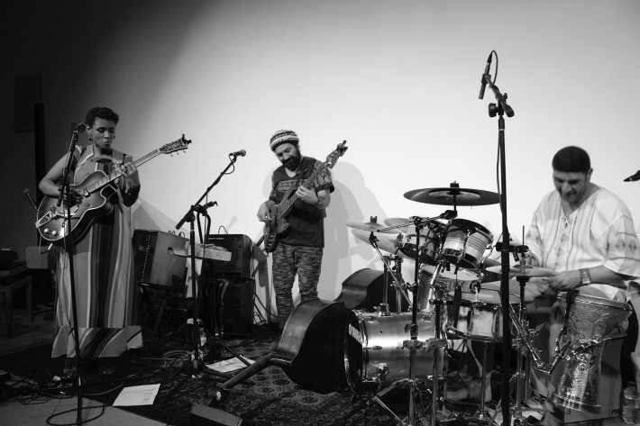 PSK Trio (Pascal+Souza+Kacomanolis) durante su actuación en St. Ethelburgas