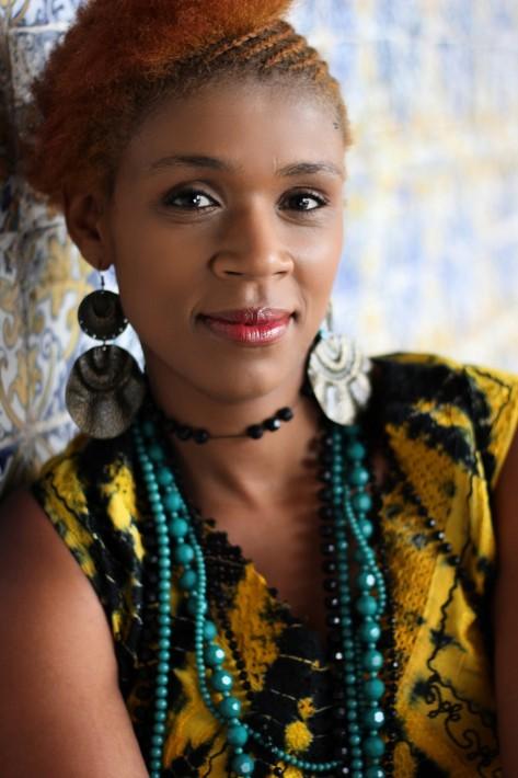 La artista caboversiana Carmen Souza. Foto: carmensouza,com