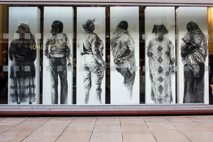 Las ventanas del Royal Albert Hall presenta el trabajo de Phoebe Boswell, Transit Terminal. Foto: Pete Woodhead