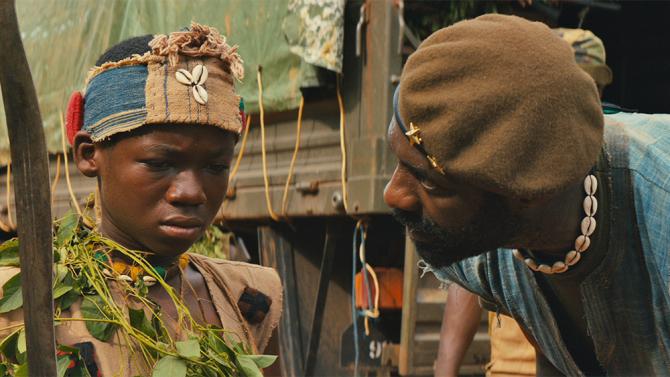 """Agu y """"el comandante"""" en un fotograma de la película Beats of no nation que el 16 de octubre estará para todos los públicos a través de Netflix."""