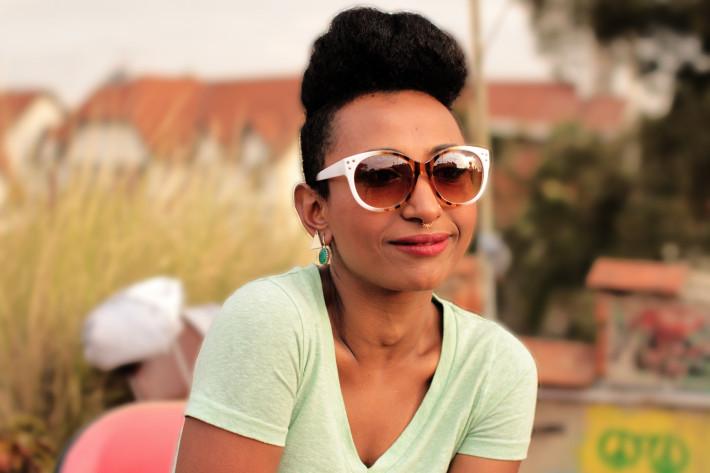 Alsarah, durante nuestra entrevista en Nairobi. Fotografía de Sebastián Ruiz/Wiriko.
