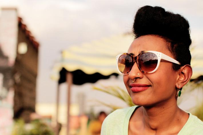 Alsarah, antes de su reciente concierto en Nairobi. Fotografía de Sebastián Ruiz/Wiriko.