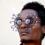 Las 'C-Stunners' de Cyrus Kabiru: de la basura a una pieza de arte