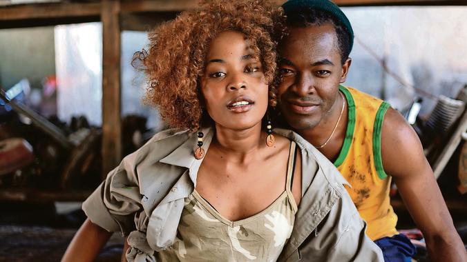 Extracto de la película Ayanda, de la directora Sara Brecher.