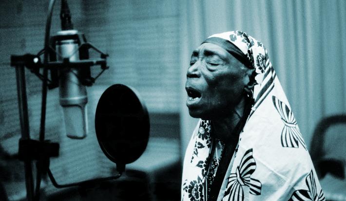 Bi Kikude, en el documental 'As Old As My Tongue'.