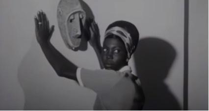 """Fragmento de la película """"La noire de..."""" (1966), del director senegalés Ousmane Sembene."""