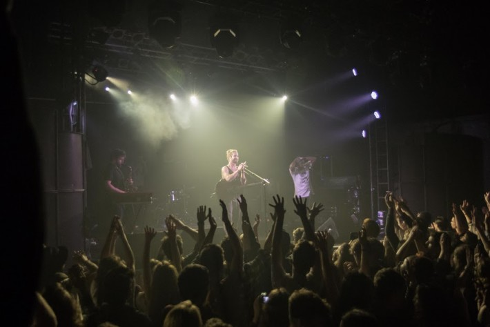 Jeremy Loops llenó The Electric Ballroom en su paso por Londres/ Foto: Dan Carter