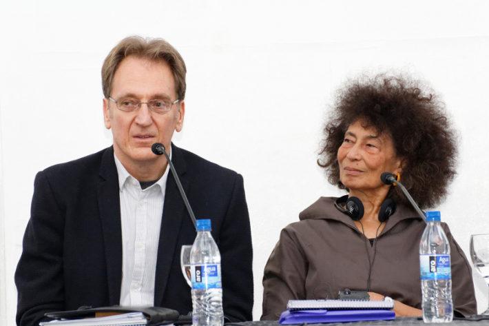 Zoe e Iván en la presentación Cátedra de Literaturas del Sur. Fuente: UNSAM / Pablo Carrera Oser