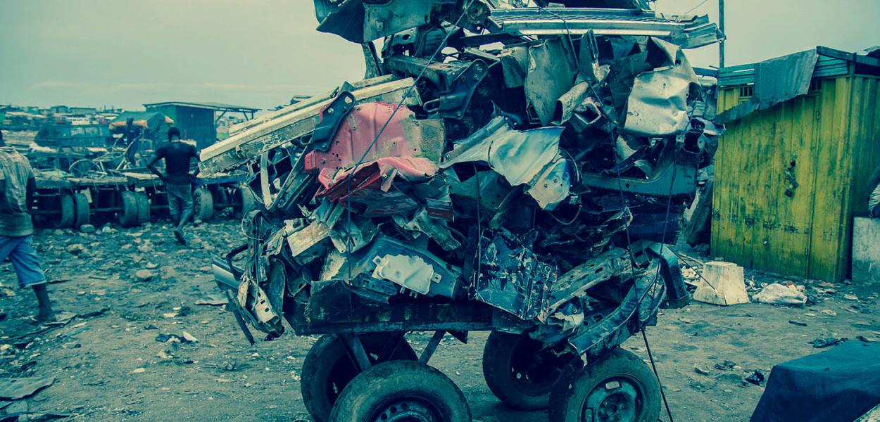 """Fotografía titualda """"One man's trash"""", de la fotógrafa Heather Agyepong."""