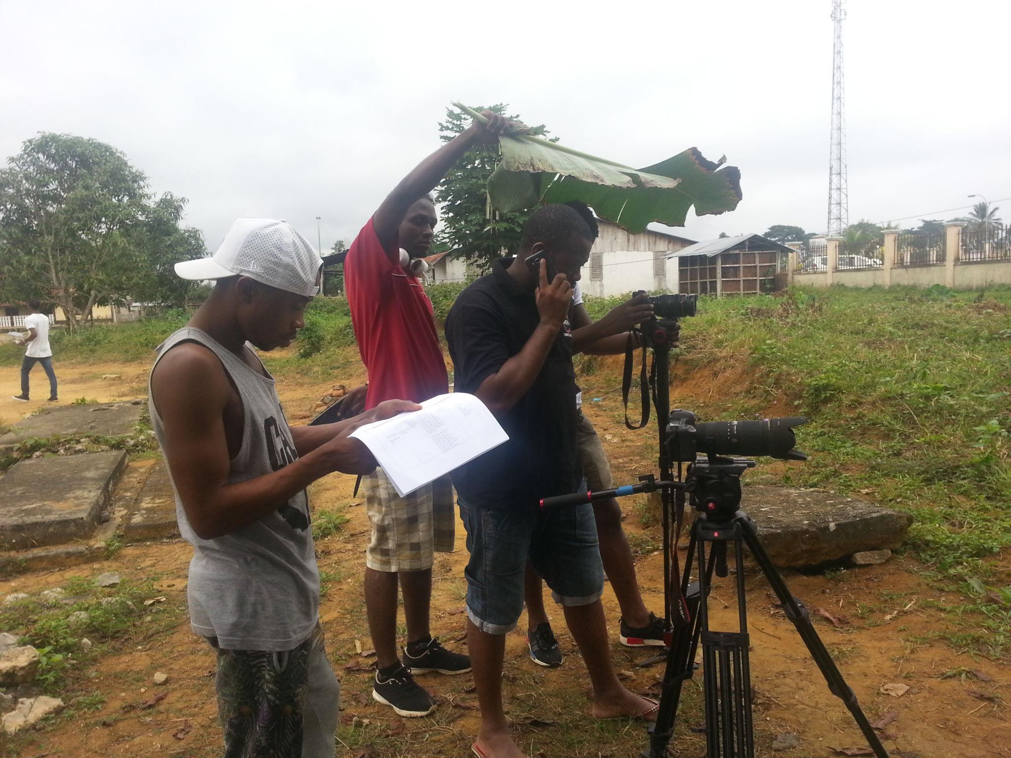 Equipo en acción. Foto cortesía del equipo del documental Orígenes y descendientes dirigido por Pedro Mba Ndong