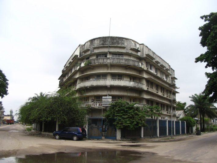Edificio del INA.