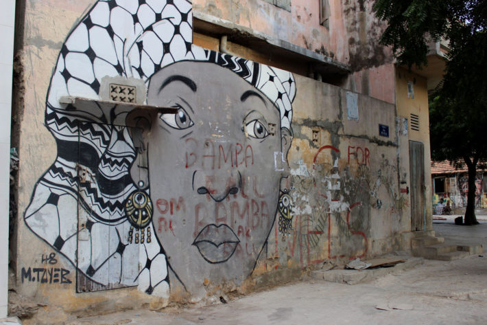 Graffiti realizado en la Medina de Dakar durante el Festival Xeex 2015. Foto de Estrella Sendra/ Wiriko.