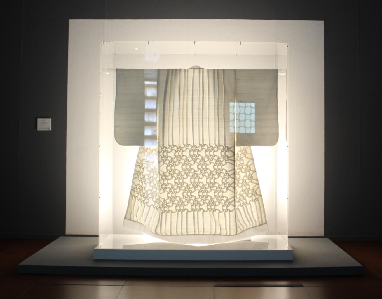 Pierre Louis Geldenhuys EMOZ 'La Dualidad Visual del Origami